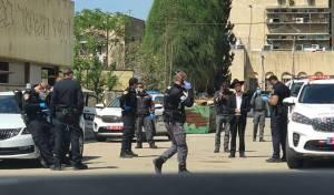 הפרת ההנחיות; המשטרה פשטה על פוניבז'