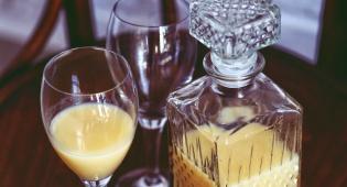 שתיית יין יחד משפרת את הזוגיות