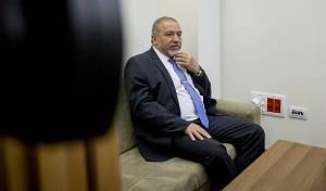 אביגדור ליברמן - הצעה: לשלול מימון ממוסדות תורניים המסיתים נגד חיילים
