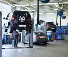 מוסך - בדרך לתקן את הרכב במוסך? כך תחסכו כסף