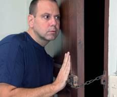 איגוד ועדי הבית. אילוסטרציה - כבר לא פותחים את הדלת בפני ועד הבית?