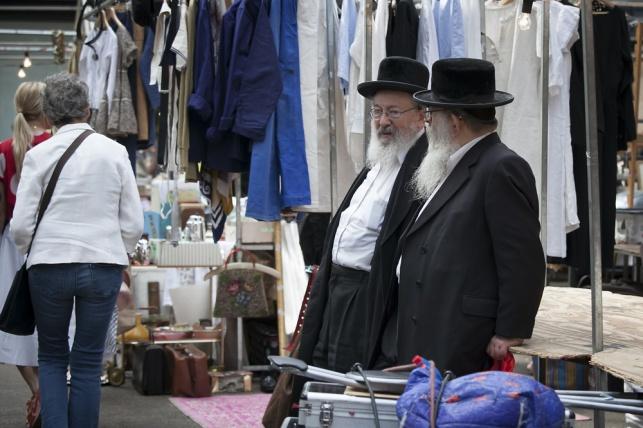 יהודים בלונדון. למצולמים אין קשר לכתבה