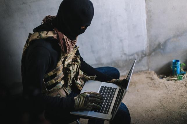 פעיל חמאס כותב לחייל
