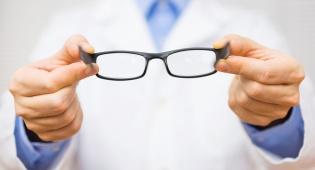 הגיע הזמן להיפטר מהמשקפיים? אילוסטרציה