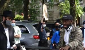 צפו: החסידים צעדו בראש מחאת השחורים