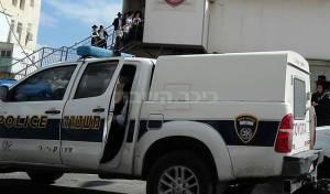 """המהומה בבית הכנסת - בלעדי: 'הפלג' מפוצץ שיעור של הגר""""י רוזן"""