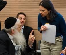 מאיר פרוש עם איילת שקד - החוק יובא להצבעה; ליברמן ממשיך להסית