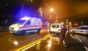 תיעוד המחבל לאחר הירי - תופת באיסטנבול: מחבל ירה, 39 הרצחו