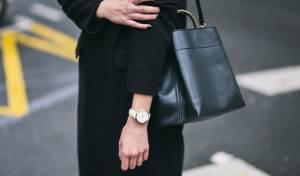 5 פריטים בסיסיים שכל אישה צריכה בארון