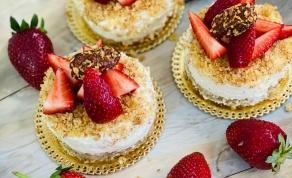 עוגת גבינה על ברטון שקדים או עוגת גבינה פירורים