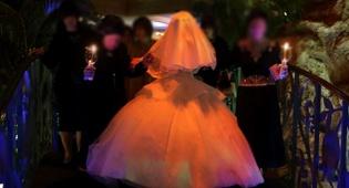 למצולמות אין קשר לכתבה - מנהגי האבל בירושלים: חתונה עם מתופף בלבד