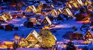 גגות עצומים. שירקאווה-גו, יפן - 10 הערים המרהיבות ביותר בעולם - בחורף