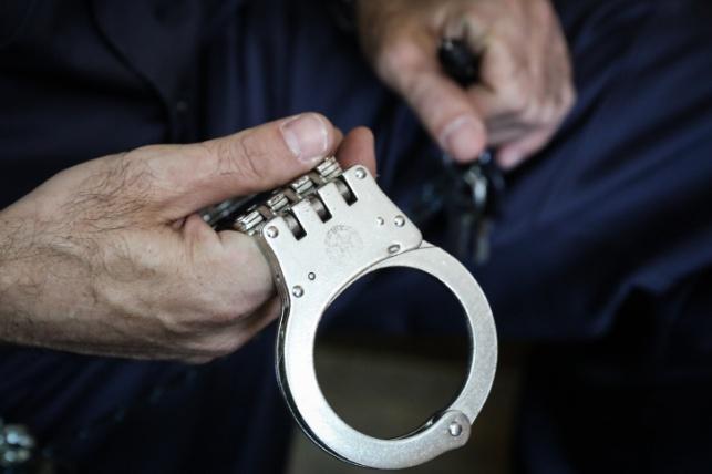 פעוט בן 4 חודשים במצב קשה; אביו נעצר