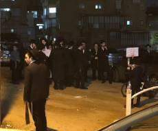 """ב""""ב: פעילי 'הפלג' הפגינו מול בית הגר""""י רוזן"""