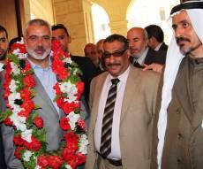 בכיר חמאס אסמעיל הנייה עם המתווכים בהסכם הפסקת האש הקודם
