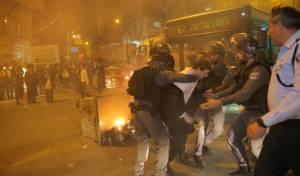 """מאות הפגינו בירושלים על """"גיוס בנות"""" • צפו"""