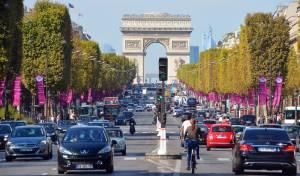 שדרת השאנז אליזה בפריז