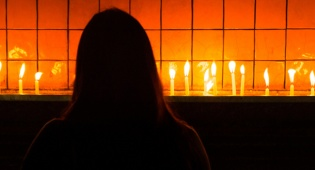 מאמע TV: מי ידליק את האור לנשים המוכות?