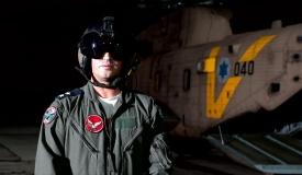 מפקד הטייסת שחילץ את הלוחמים  מדבר