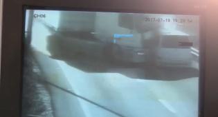 המשאית סוטה והורגת חמישה נוסעים • צפו