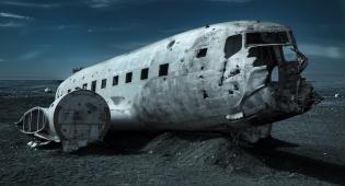 אילוסטרציה - מטוס התרסק ונחצה לשניים - הנוסעים ניצלו