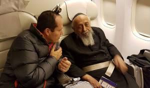 """בטיסה: ניר ברקת שוחח עם הגר""""ש בעדני"""