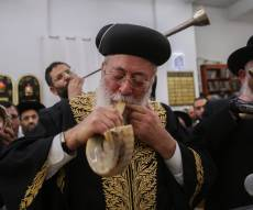 """צפו: שובבי""""ם עם הראשון לציון והגר""""י כהן"""