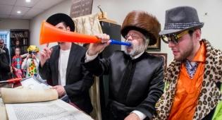 גלריה ססגונית: חגיגות פורים בניו יורק