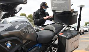 שוטרים פשטו על בתי הכנסת ברחבי הארץ