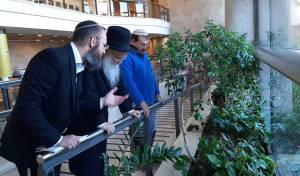 עם הרב אפרתי: הכנסת נערכת לשנת השמיטה