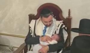חבר הכנסת אוריאל בוסו היה הסנדק לנכדו
