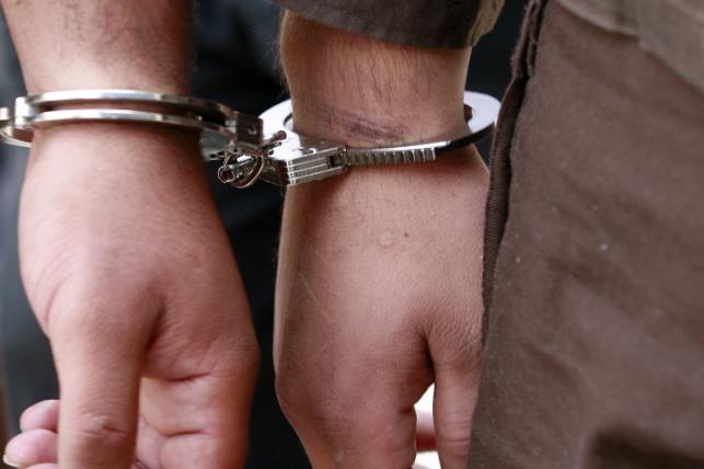 הוארך מעצר פלסטינים שניסו להעביר מטען