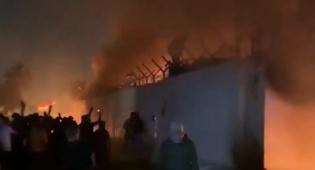 צפו: בעיראק שרפו את הקונסוליה האיראנית