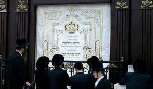 בבית הכנסת הנוכחי של באבוב-45