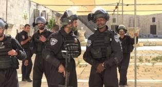 24 פלסטינים נעצרו בהתפרעות בהר הבית