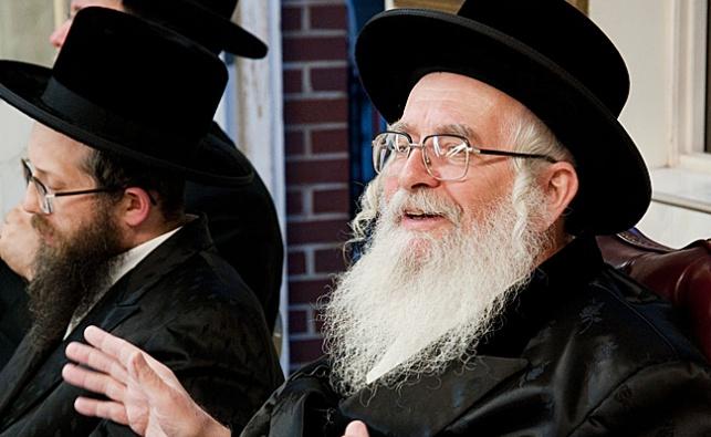 """הרב שיק זצ""""ל לצד מכתב הגאב""""ד"""