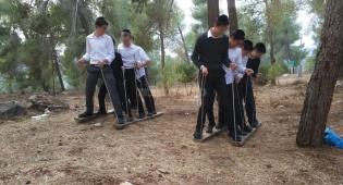 בני ישיבות בטיול שהדריך ישראל שפירא