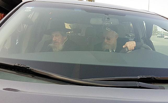 """הגר""""ד לנדו ברכבו של רוזנגרטן"""