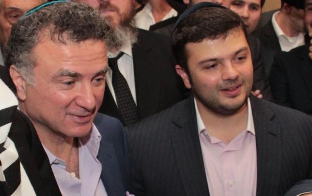 יצחק מירילשווילי עם אביו מיכאיל מירילשווילי