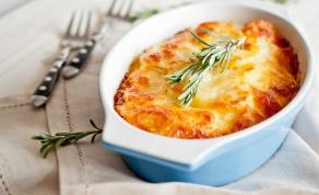 פשטידת תפוחי אדמה עם גבינות ועשבי תיבול