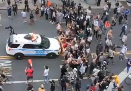 """המהומות בארה""""ב נמשכות: עוצר והרס רב"""