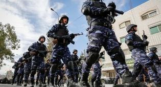 שוטרים פלסטיניים במצעד