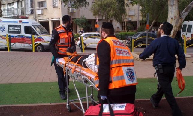 מתנדב פרץ לדירה והציל את האישה