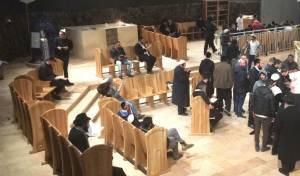 """כ' בטבת: הילולת הרמב""""ם בקברו בטבריה • צפו"""