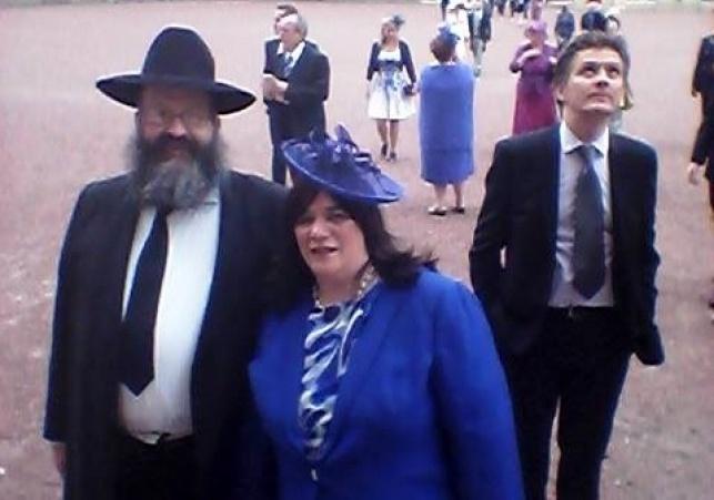 המלכה הזמינה רב חרדי ל'מסיבת גן'