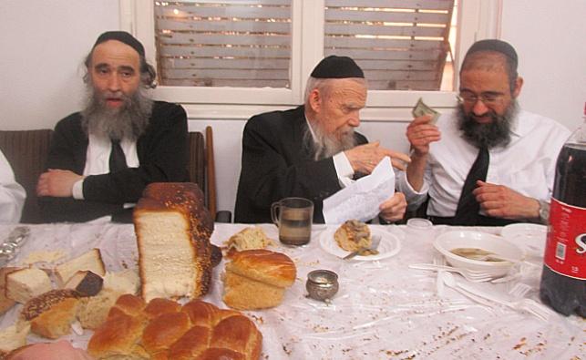 רבי גרשון אדלשטיין בסעודה