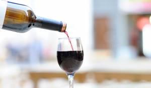 האם מותר לפתוח בקבוק מיץ ענבים בשבת?