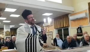 החזן שלמה גליק מרגש לזכר קדושי השואה