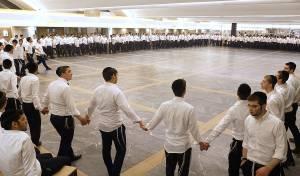 צפו: חגיגת 'בית השואבה' במלונית ב'חברון'