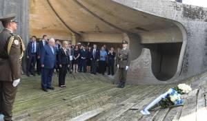 צפו: ה'קדיש' של נשיא המדינה במחנה המוות